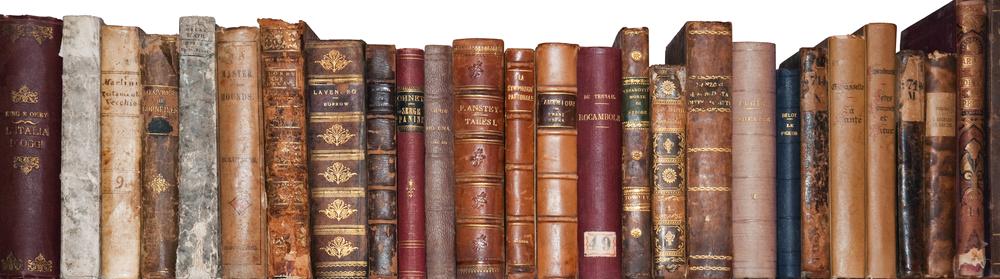 Libreria con libri antichi